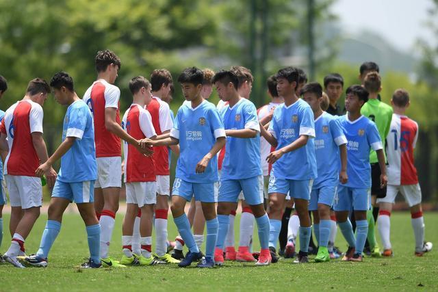 武磊代表中国足球上限?多年青训症结值得反思