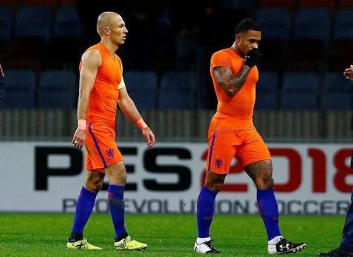 闪电部队在前进:荷兰足球的德国化